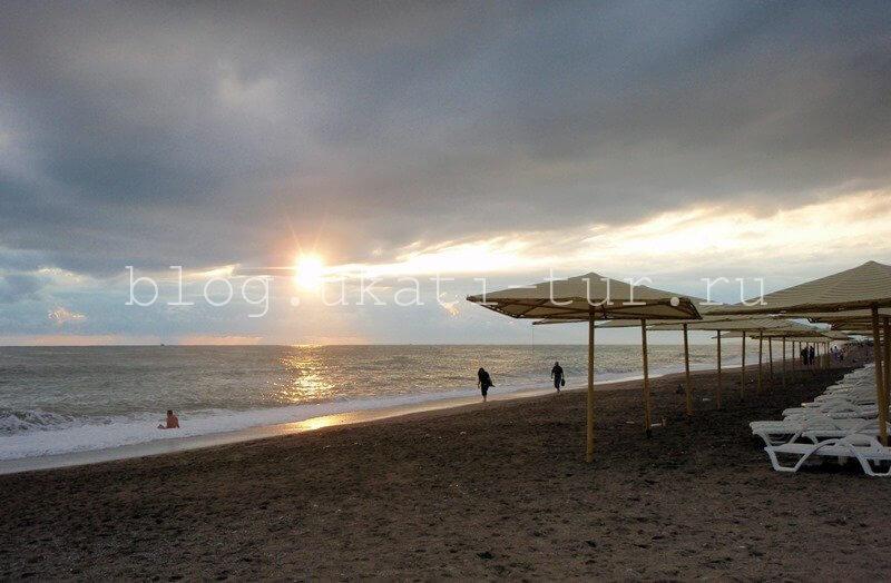 Закат на пляже в Турции