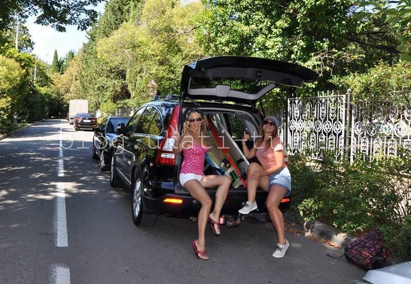 сидим в машине