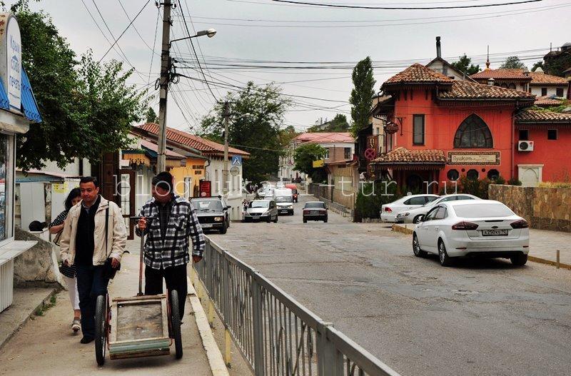 bakhchisaray_street