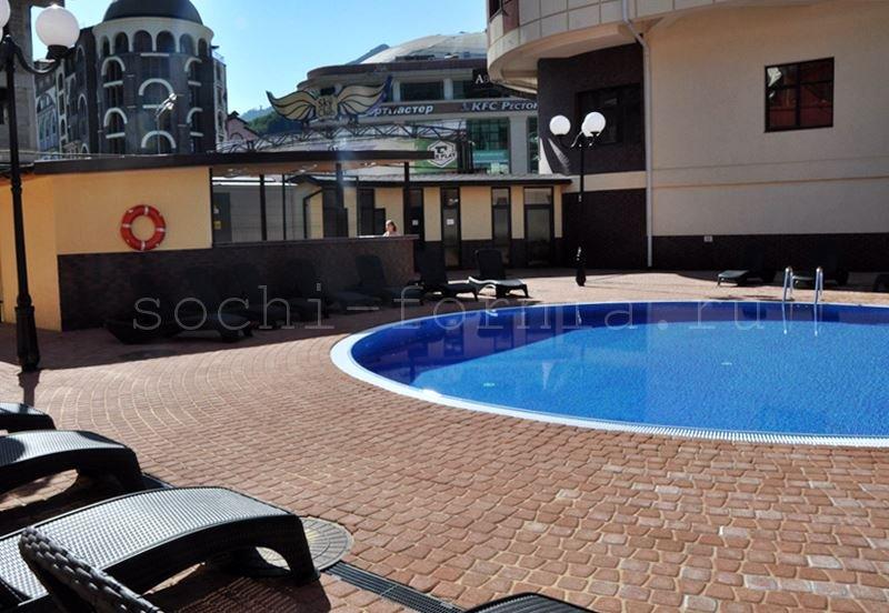 arcadia-pool