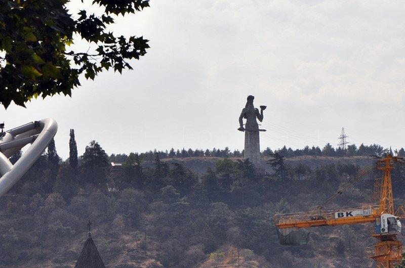 Statuya_Tbilisi