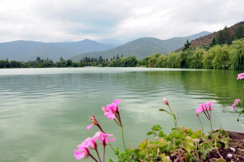 lopota_lake1