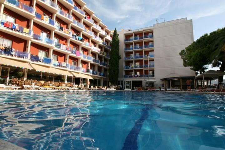 отели для молодёжного отдыха